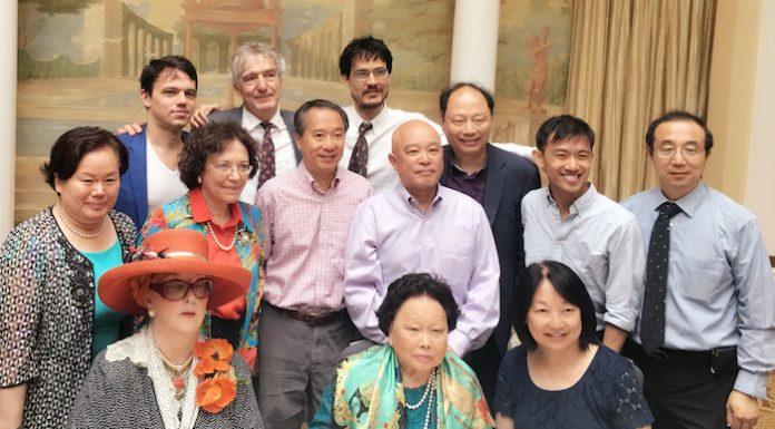 陈香梅生日午宴在华盛顿举行。许绍理提供